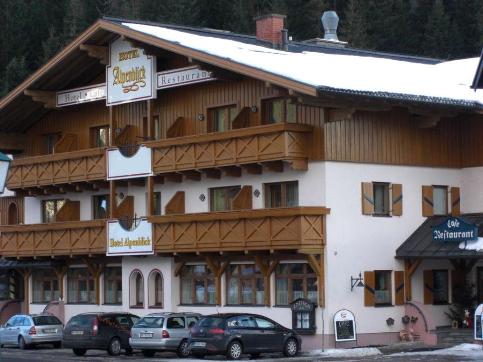 Außenansicht Hotel Alpenblick