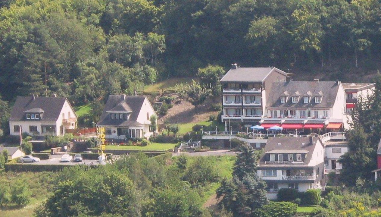 Moselromantikhotel vom Pinnerkreuz am 18.08.2011 Moselromantik Hotel Thul