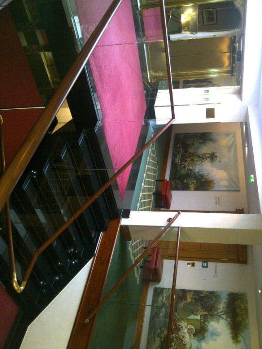 Bild treppenhaus zu best western premier grand hotel for Bilder fa r treppenhaus