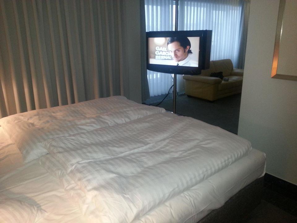 Blick vom schlaf in den wohnbereich avidon art design for Design hotel nrw