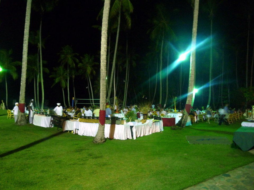 Buffet am Sontag Hotel Grand Paradise Samana