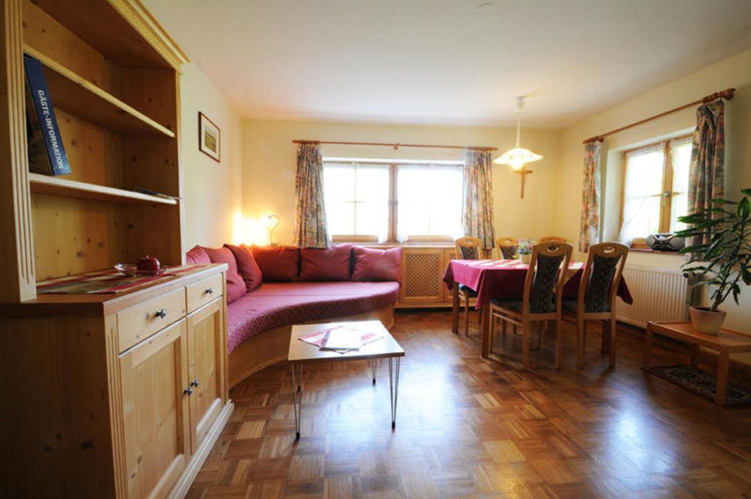 Wohnzimmer in der Ferienwohnung Roswitha. Wimmerhof Ising