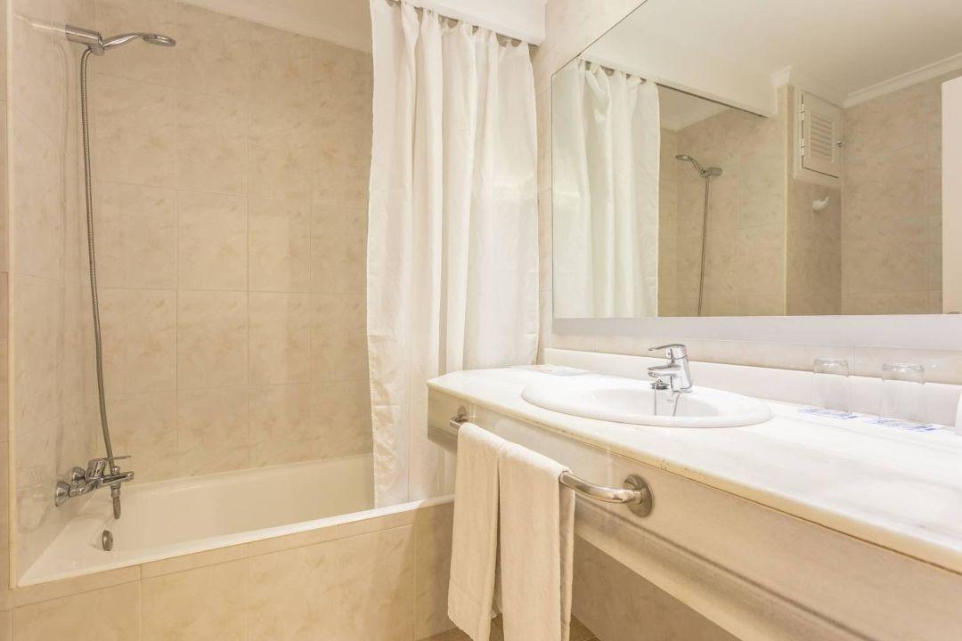 bild badezimmer zu hotel spa ferrer concord in can