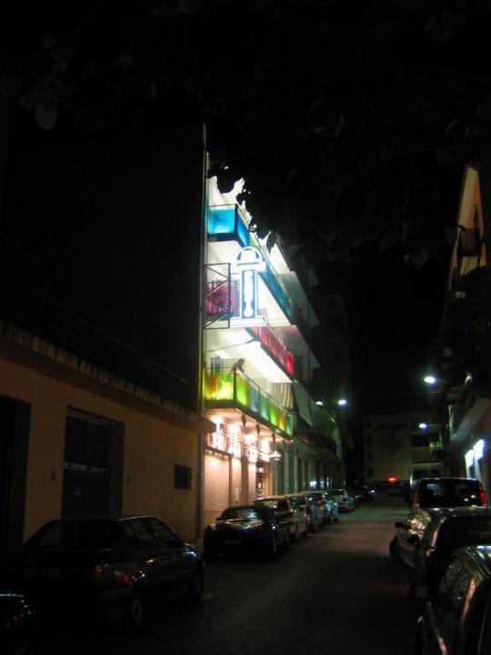 Nachtaußenansicht B&B El Pekinaire