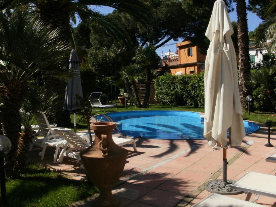 Pool und Garten  Hotel Elba & Residence dei Fiori