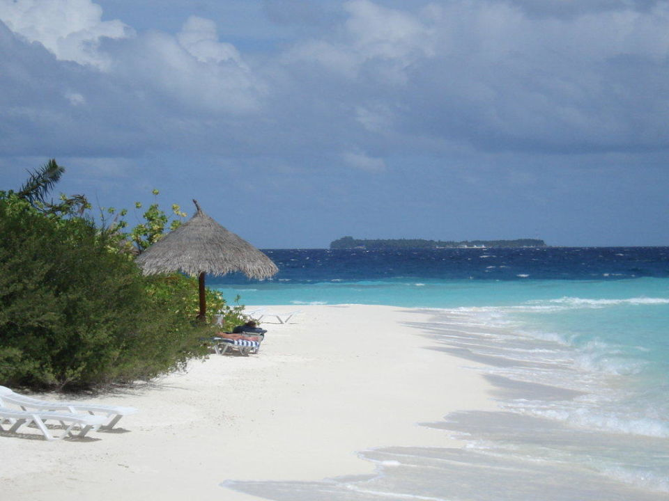 Unser Strandabschnitt bei Beach Villa 102 Sun Aqua Vilu Reef Maldives