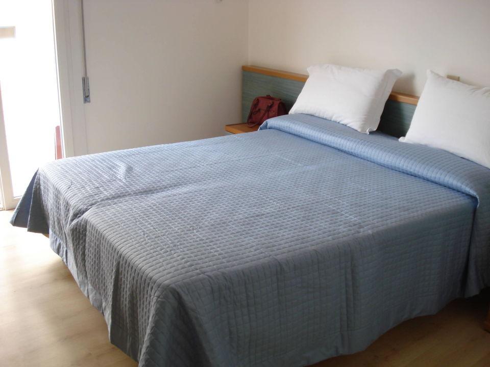 3 bett zimmer nr 202 seitlicher meerblick hotel. Black Bedroom Furniture Sets. Home Design Ideas