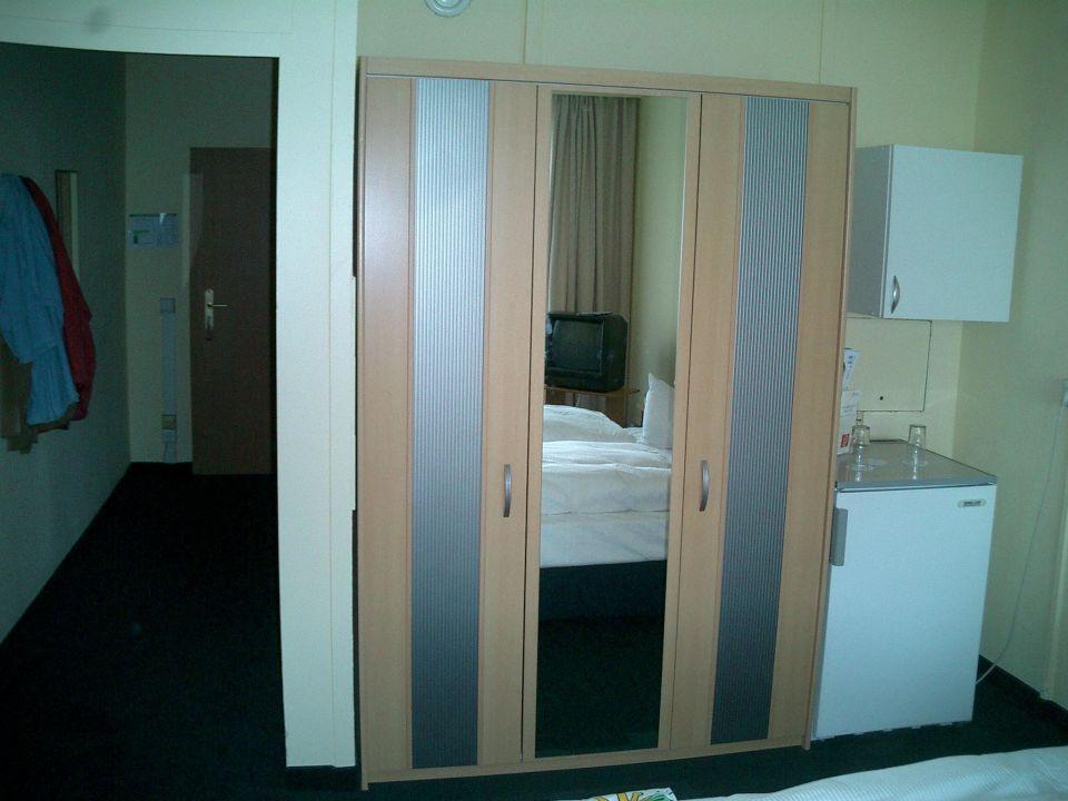 Eingang/Schrank/Kühlschrank\