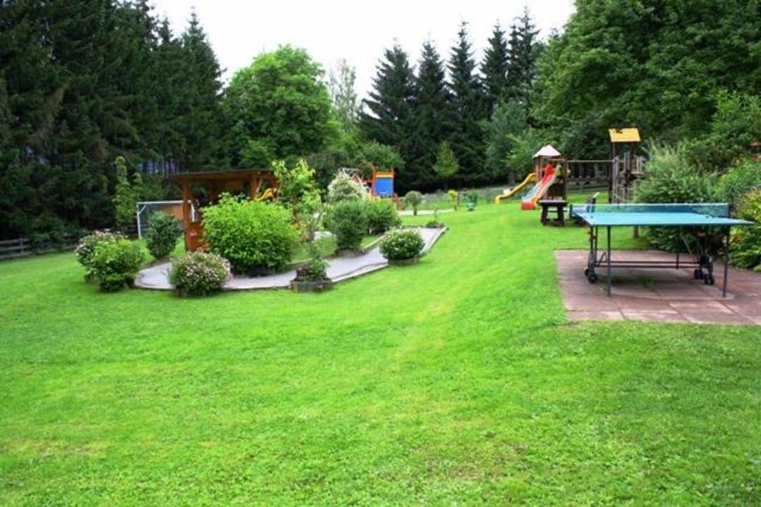 Schöner Großer Garten Bliems Familienhotel Haus Im Ennstal
