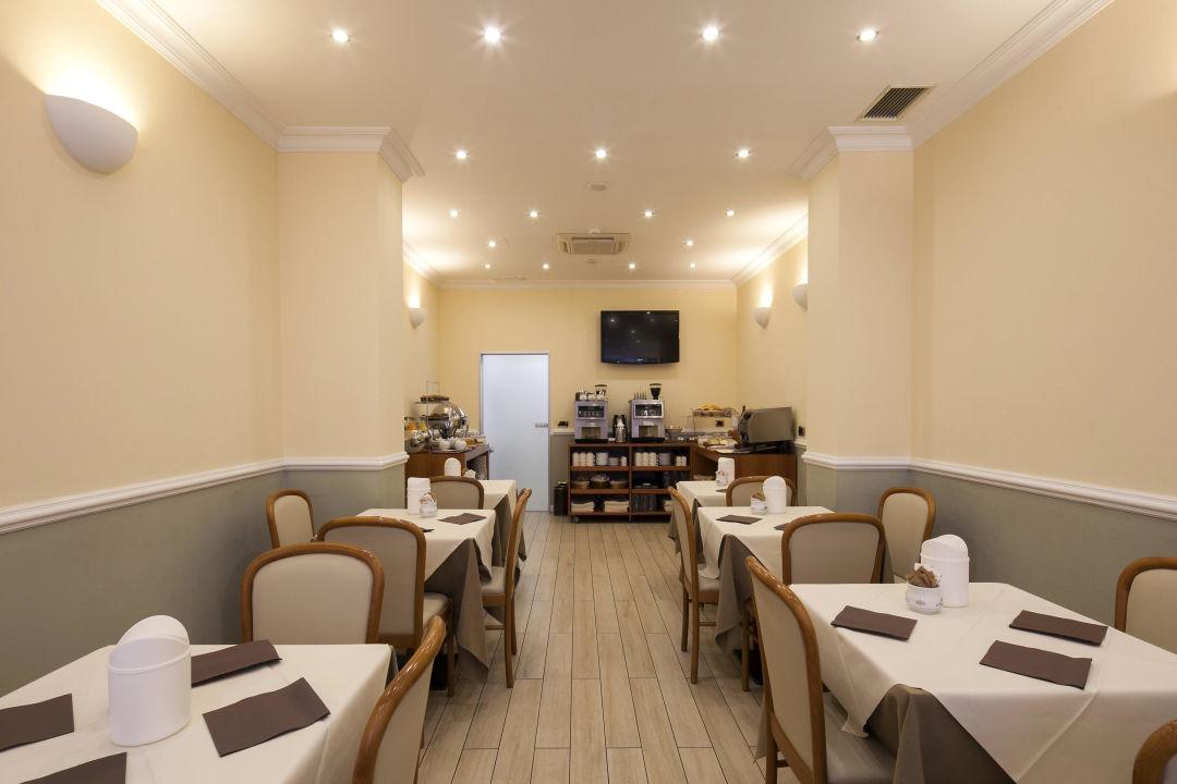 Sala colazioni Nuovo Hotel Del Porto