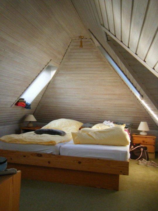 Kleines Schlafzimmer Unter Dem Dach Ferienwohnungen Haus Seewind