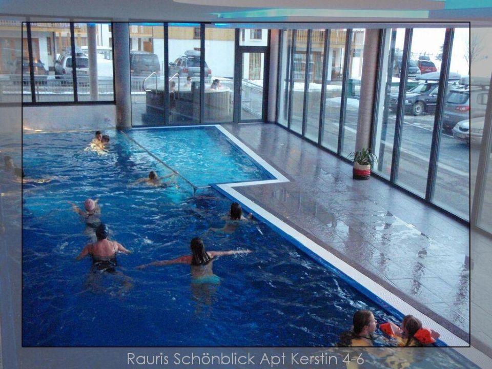 pool mit kleinem au enbereich und whirlpool sch nblick mountain resort spa in rauris. Black Bedroom Furniture Sets. Home Design Ideas