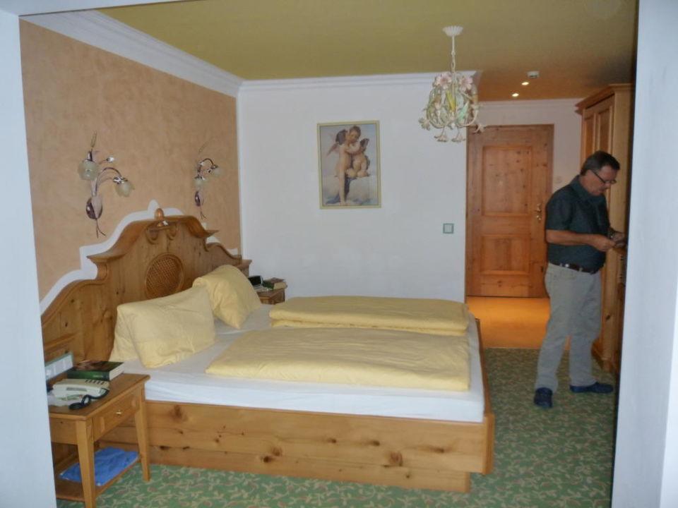 Schlafzimmer Hotel Garni Pinzgau Bernd Hüttl