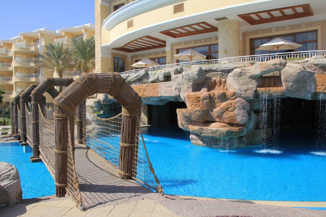 """""""Interessante Poolgestaltung"""" SENTIDO Palm Royale (Abu Soma) • HolidayCheck (Hurghada/Safaga ..."""