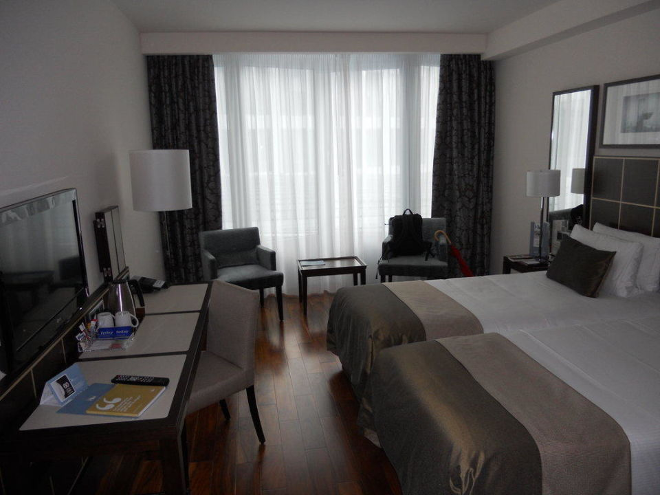 Blick ins Zimmer Hotel Eurostars Berlin