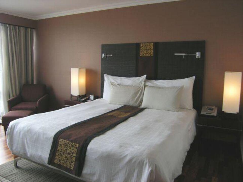 Sofitel Silom - bequemes Bett im Clubzimmer Hotel Pullman Bangkok Hotel G