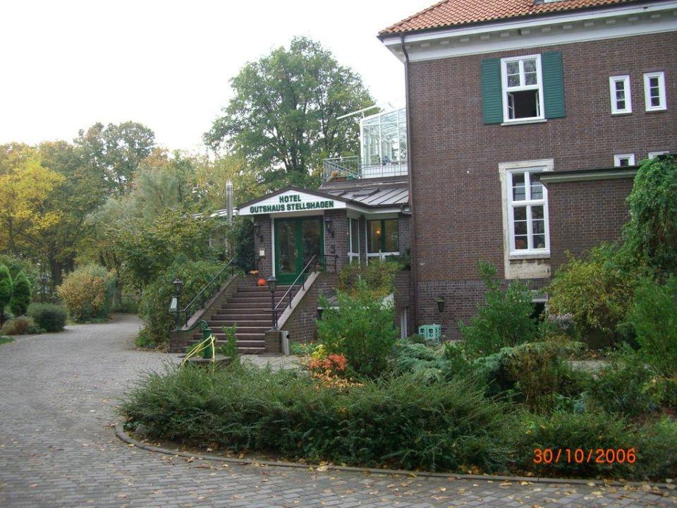 Blick zum Haupteingang Hotel Gutshaus Stellshagen