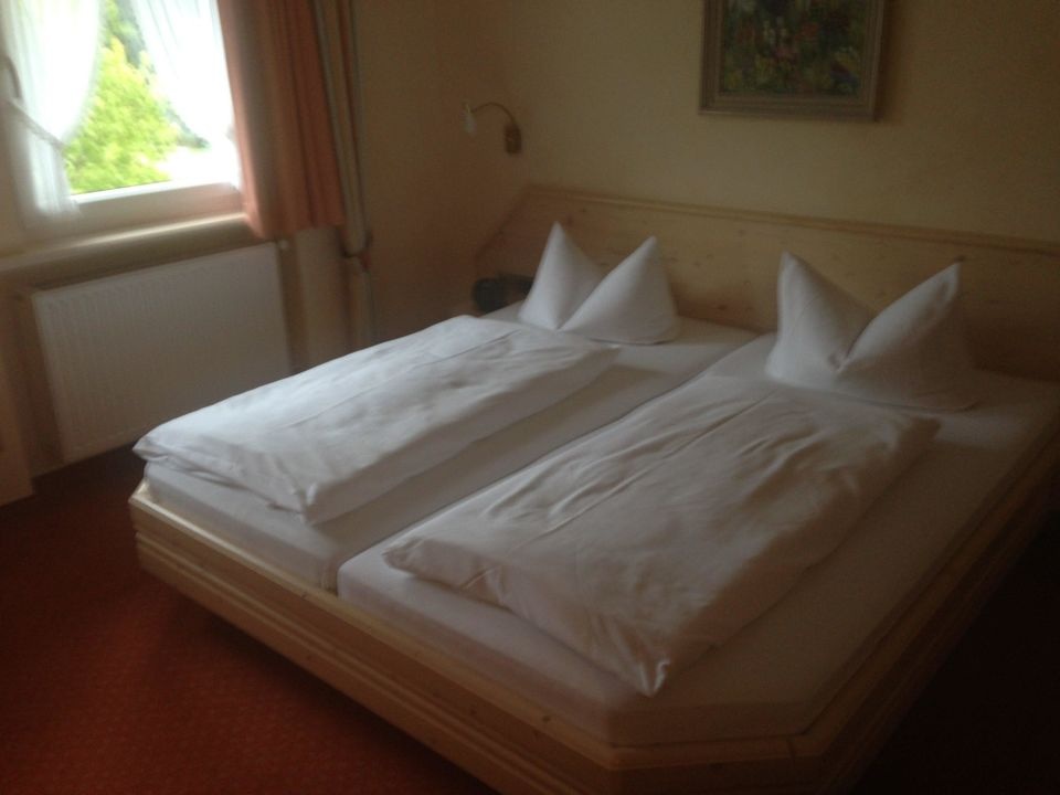 bett hotel schwarzwaldgasthof r le todtmoos holidaycheck baden w rttemberg deutschland. Black Bedroom Furniture Sets. Home Design Ideas