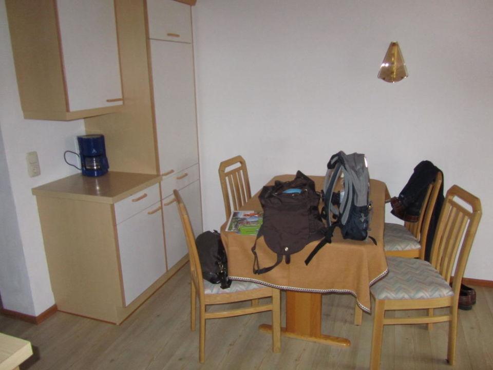 Essplatz und kleine Küche\
