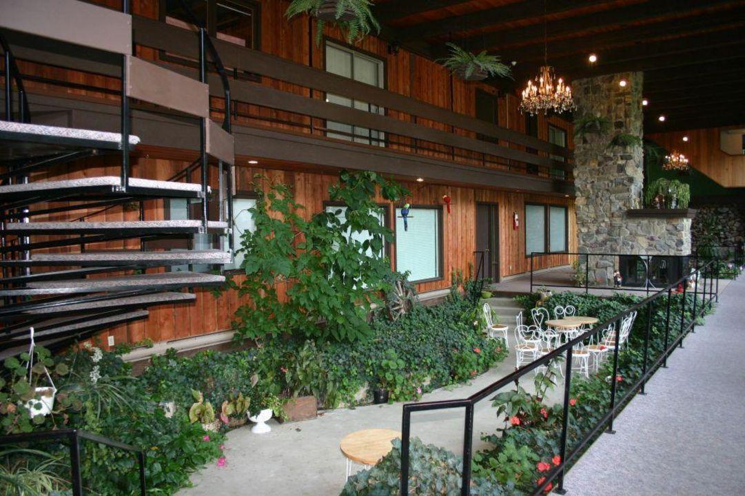 Indoor Garten indoor garten hotel three valley lake chateau revelstoke