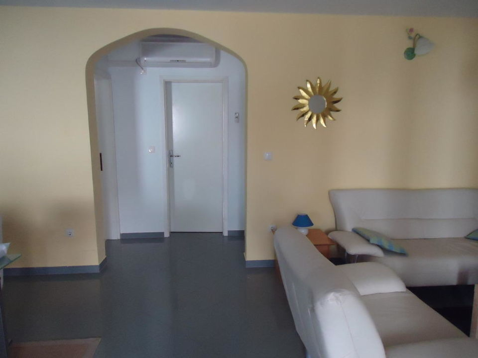 Wohnzimmer Tür zum Badezimmer\