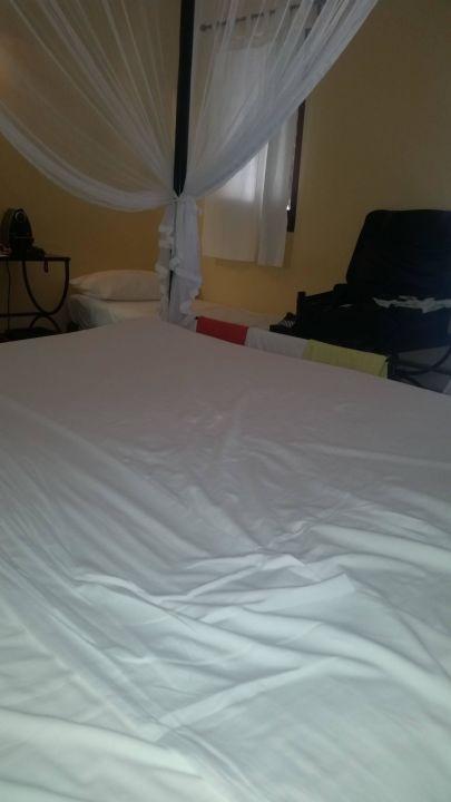 Zimmer keone 54m2 viel zu klein kuredu island resort spa hinnavaru holidaycheck - Zu viel staub im zimmer ...
