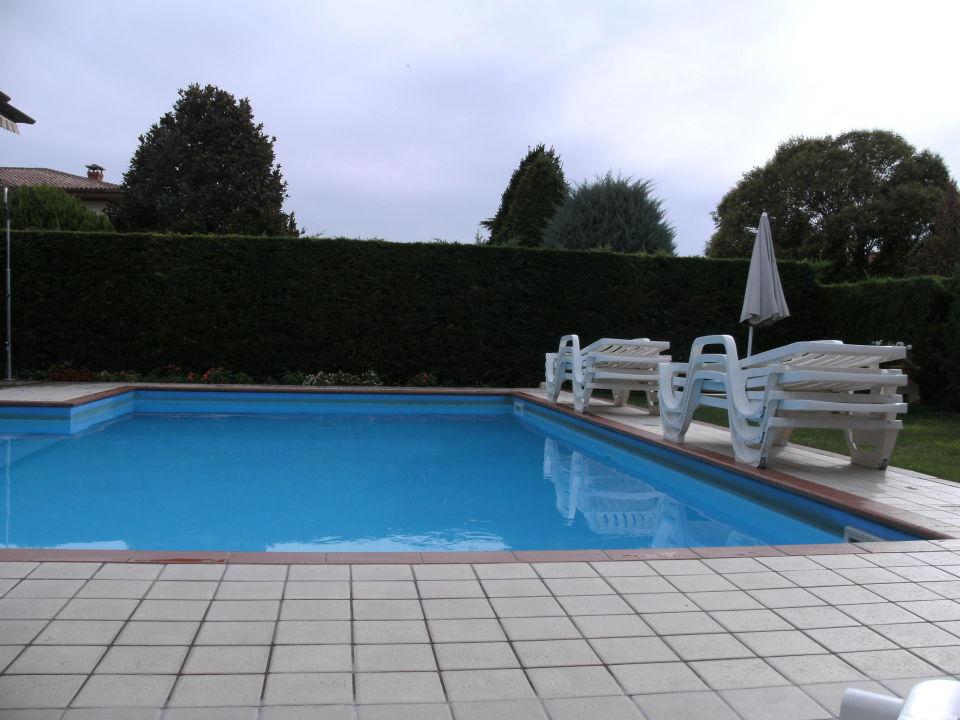 Pool im Garten Hotel Argentina