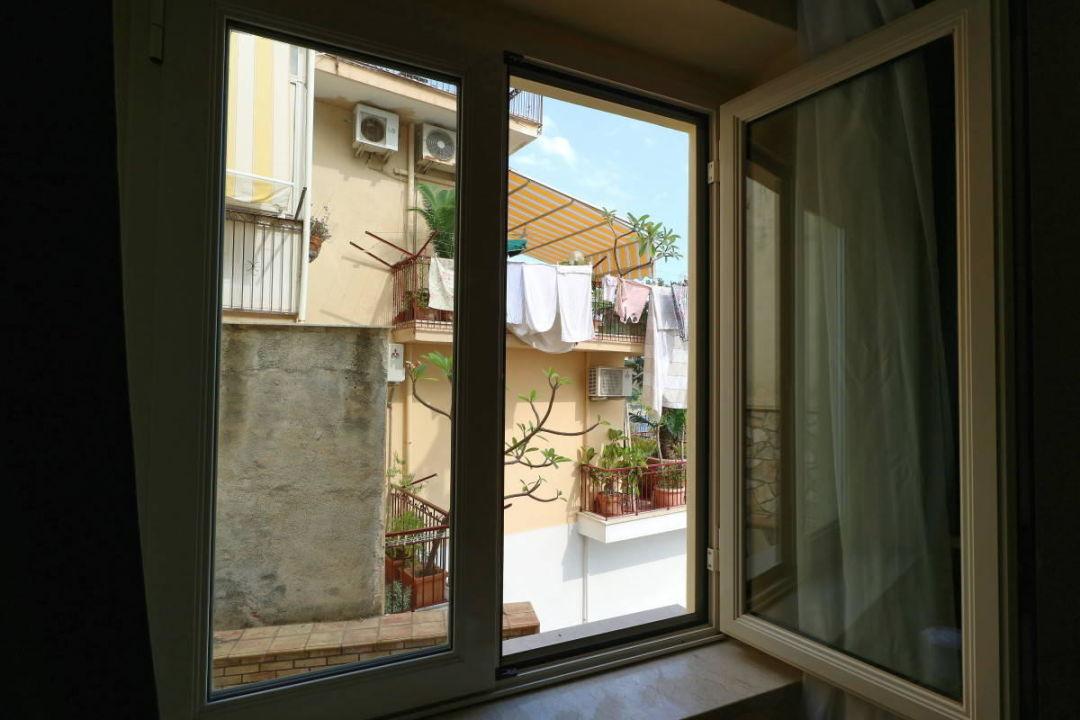 Blick aus dem Fenster Hotel Corallo