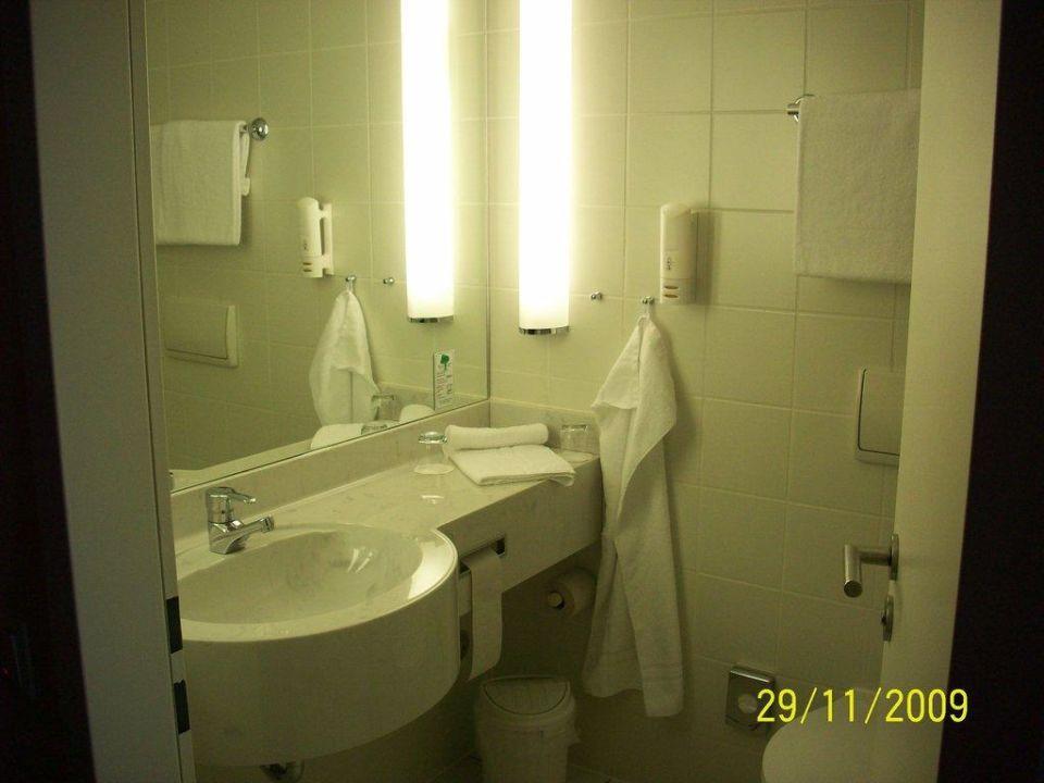 Badezimmer Hotel Park Inn by Radisson Dresden
