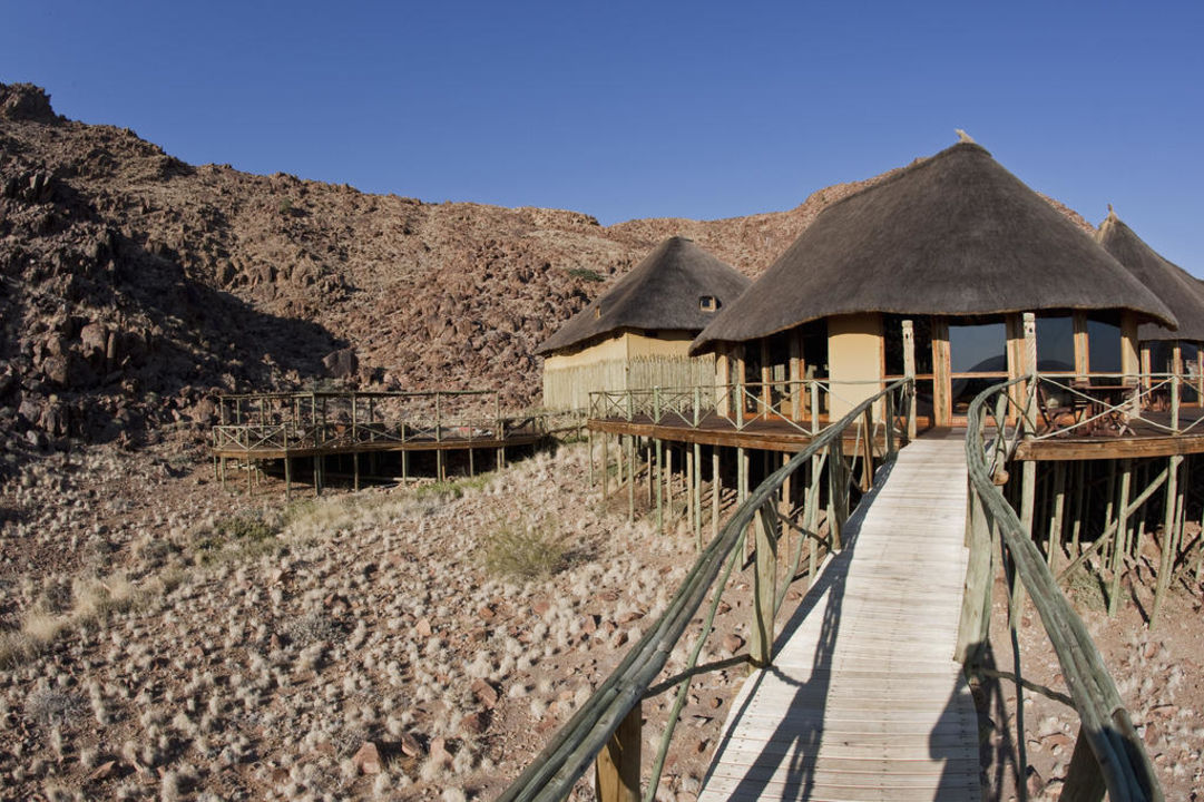 Pool und Lobby Hotel Sossus Dune Lodge
