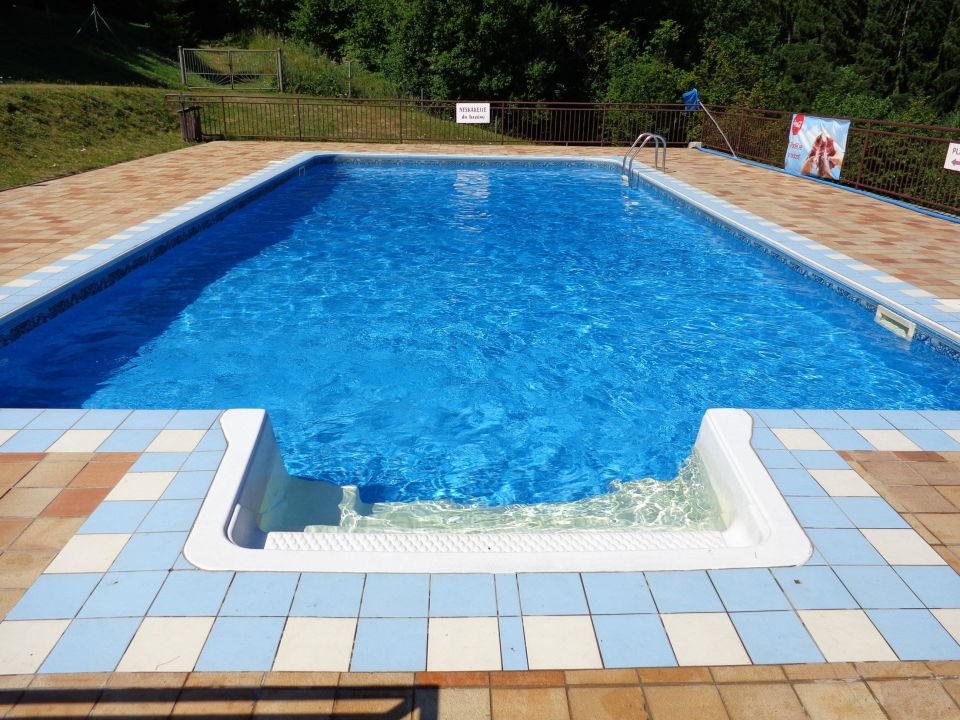 Hotel Jelenovská venkovní bazén