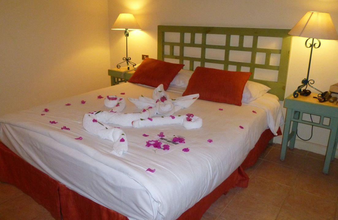Blickfang Bett Deko Beste Wahl Bett-deko Arena Inn Hotel, El Gouna