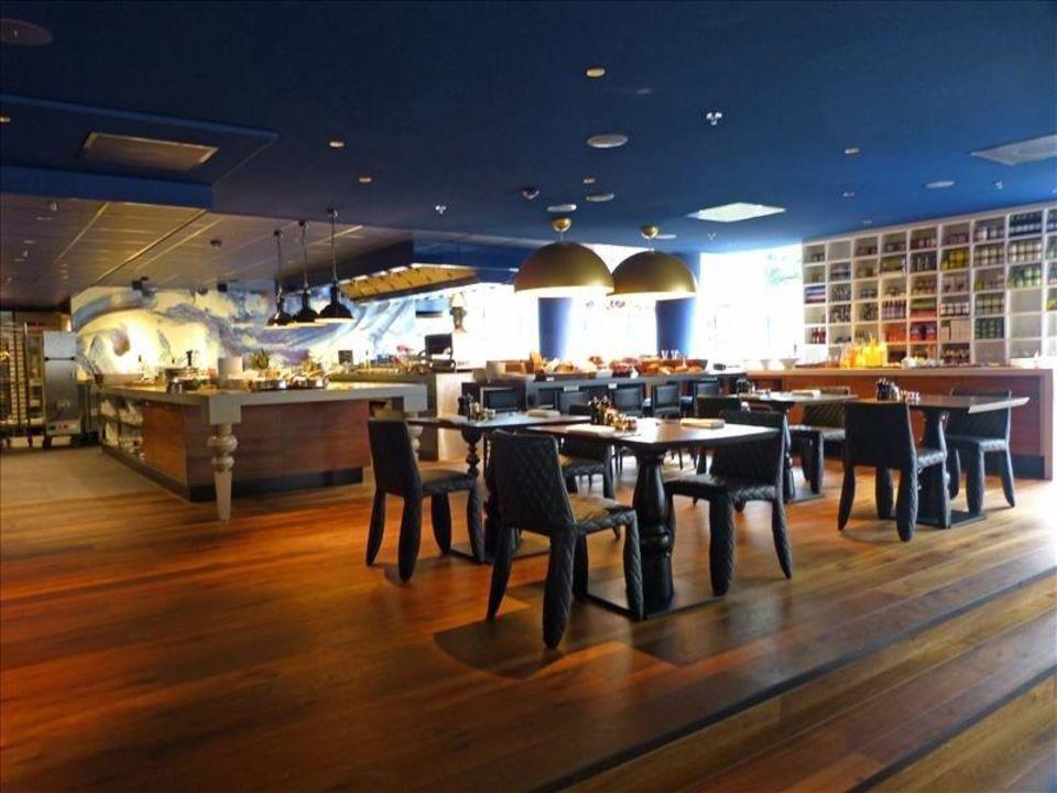 Restaurant mit offener Küche\
