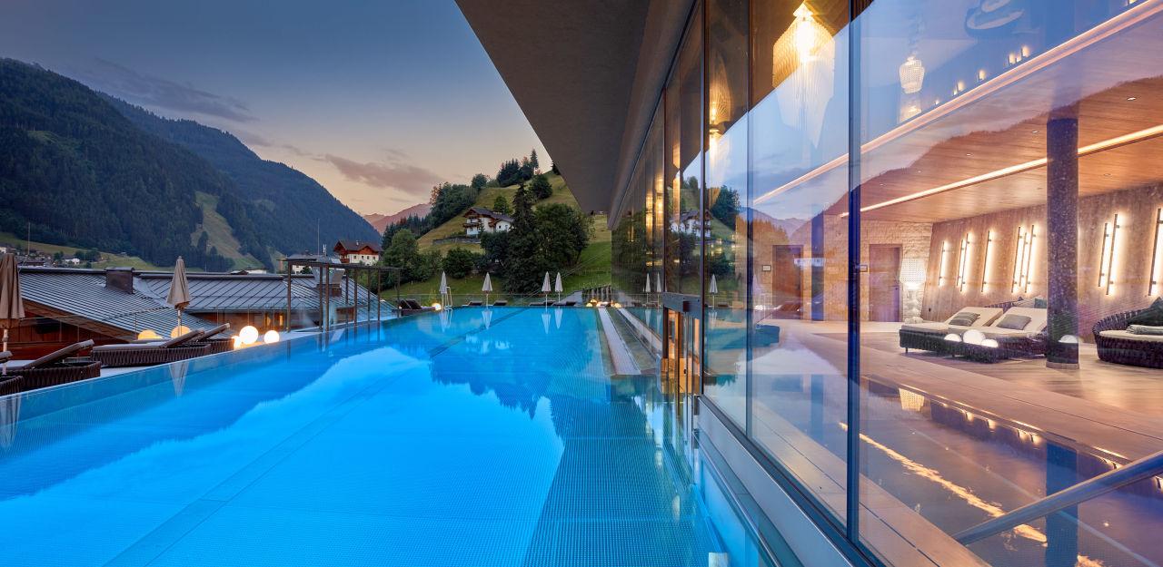 Pool Das Edelweiss - Salzburg Mountain Resort
