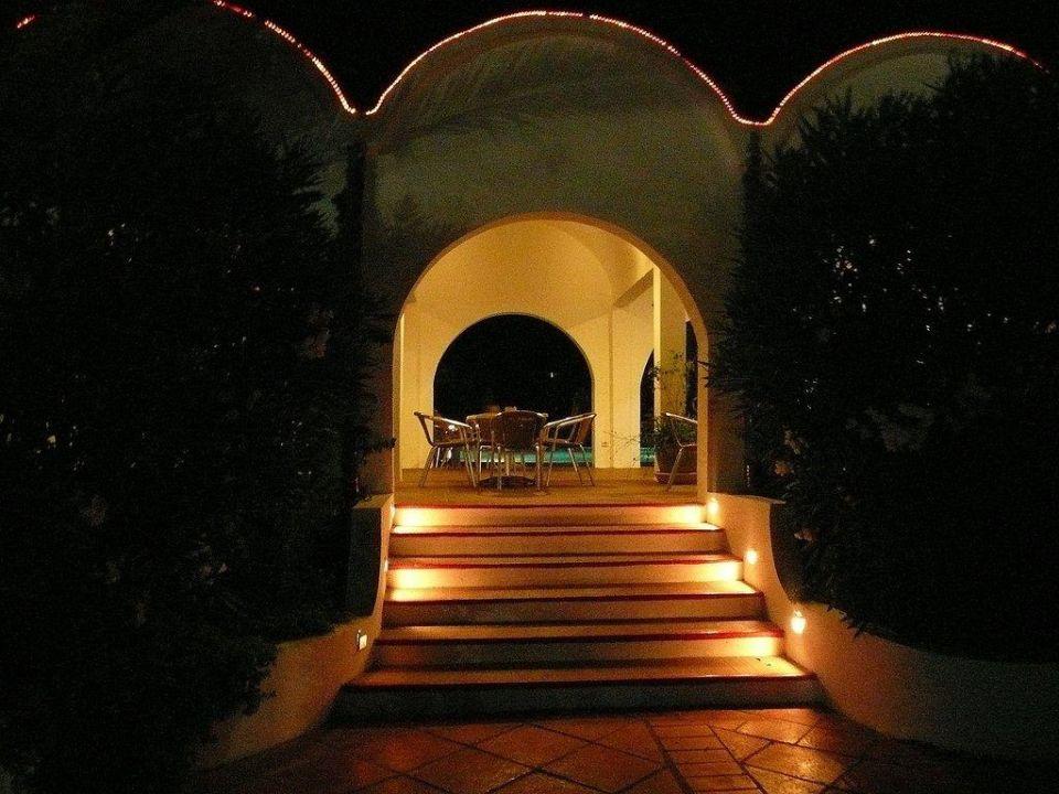 Treppe bei Nacht zum Cafe Hotel Eldorador Salammbo