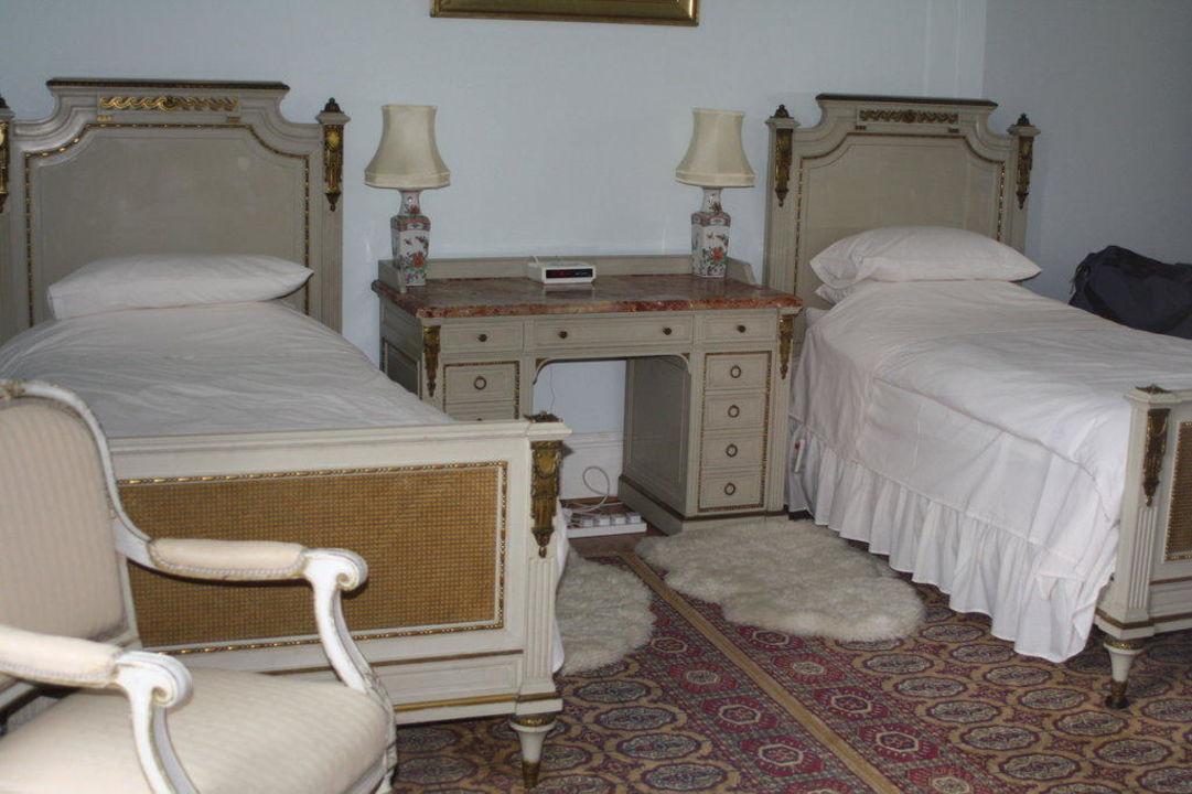 Twin Bedroom Minard Castle B&B
