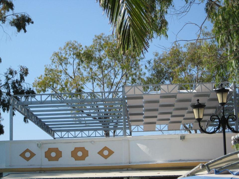 bild neues sonnendach ber der poolbar zu attika beach. Black Bedroom Furniture Sets. Home Design Ideas