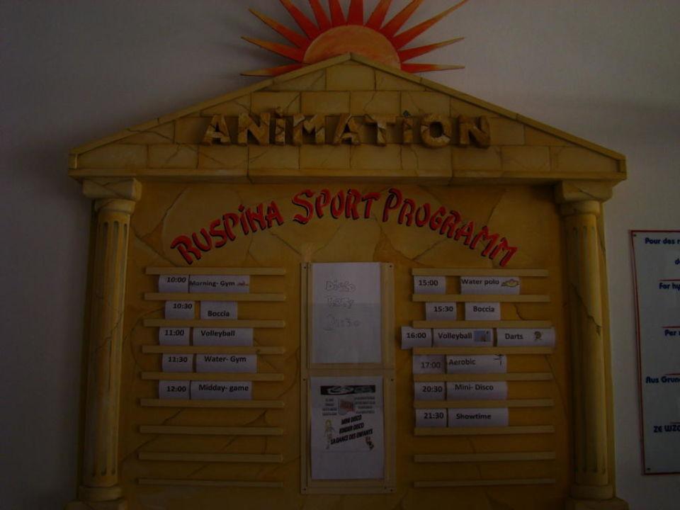 Tablica z opisem atrakcji w ciągu dnia Hotel Ruspina