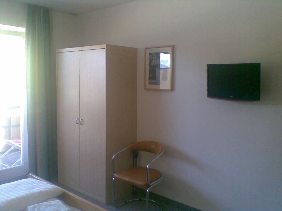 Schlaf-Wohnzimmer mit Flachbildfernseher Residence Ledi
