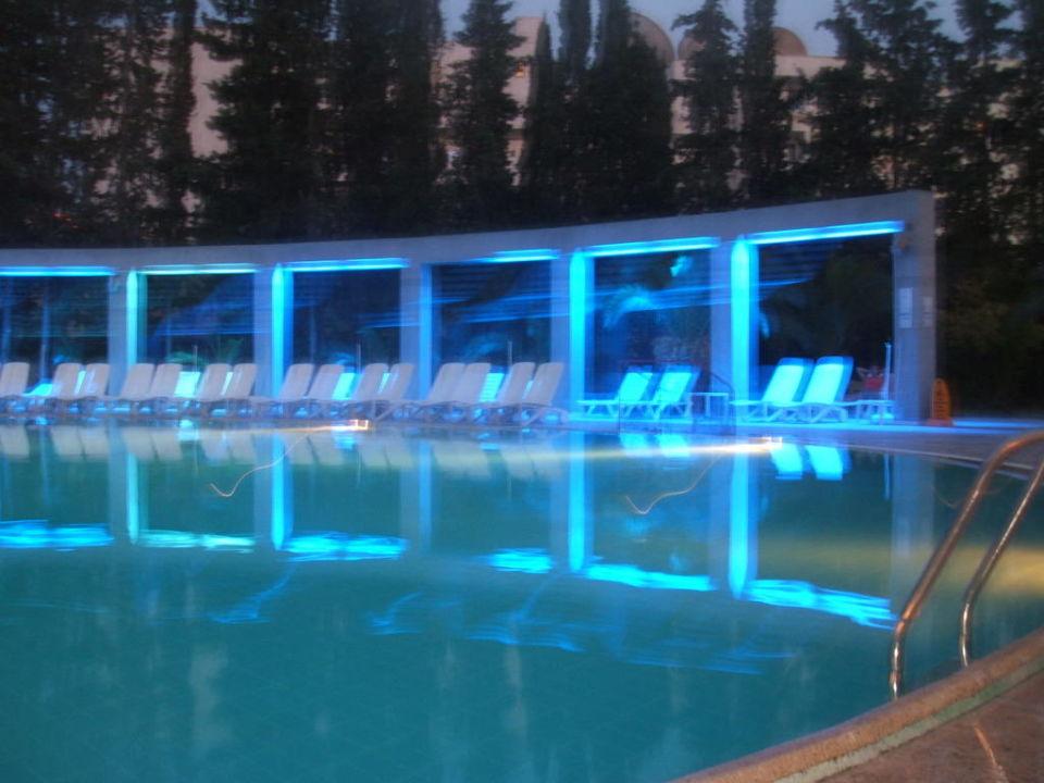 Basen wieczorową porą Hotel Arinna  (existiert nicht mehr)