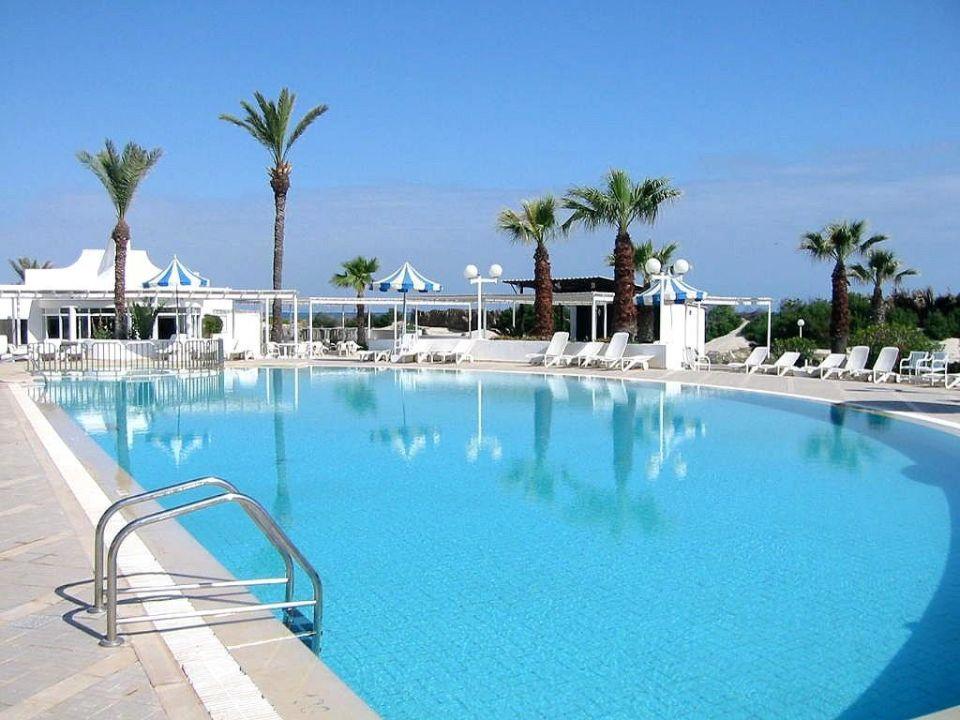 Poolansicht SunConnect One Resort Monastir