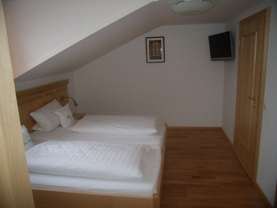 Schlafzimmer Hotel Regenbogenland Zum Kramerwirt