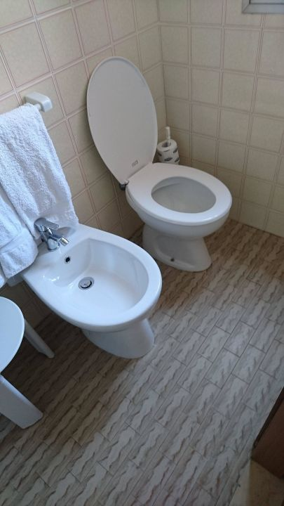 WC  Hotel Roby
