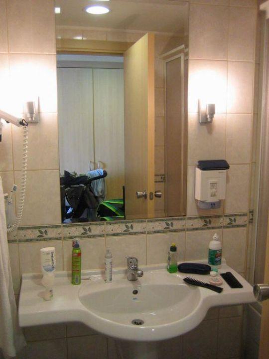 Familienzimmer Waschbereich Hotel Silence Beach Resort