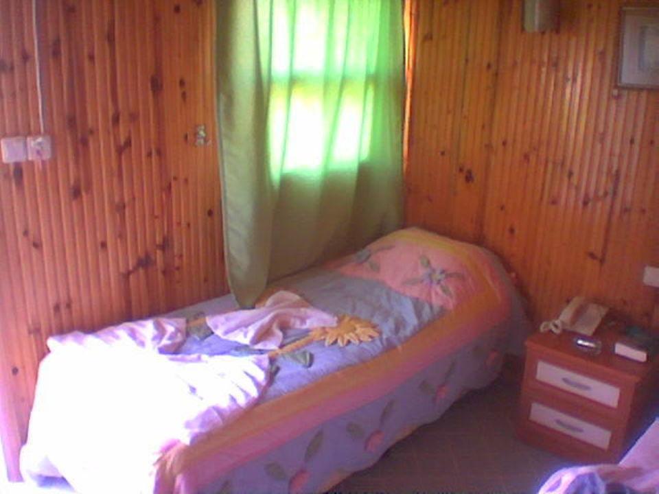 Zimmerinnenansicht 1-2 Mann Bungalow Hotel Altinkum Bungalows