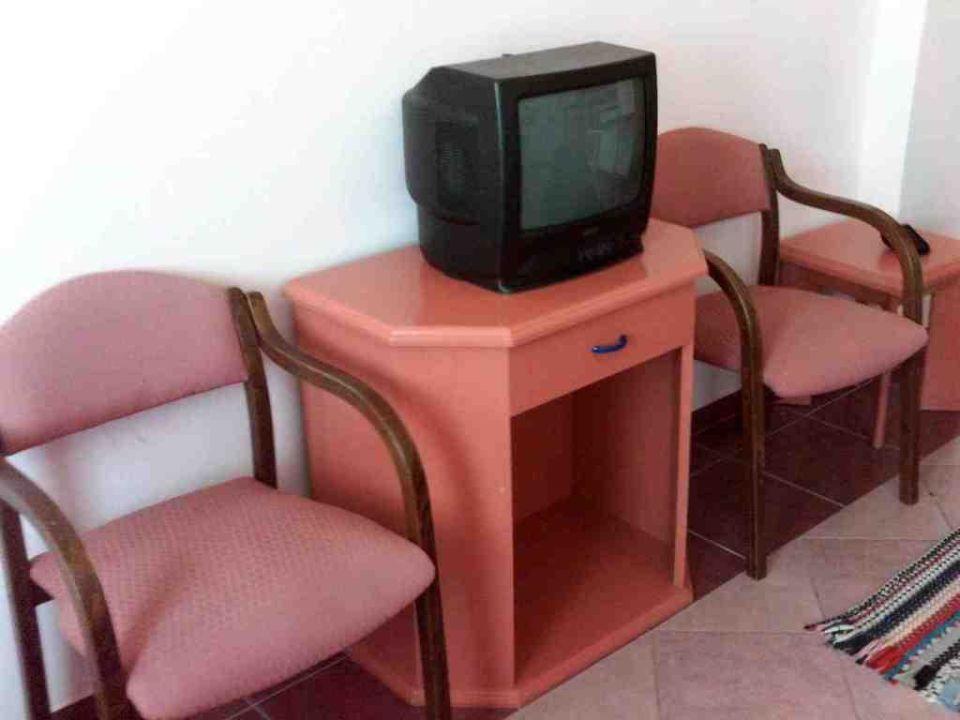 TV im Zimmer Happy Beach Hotel