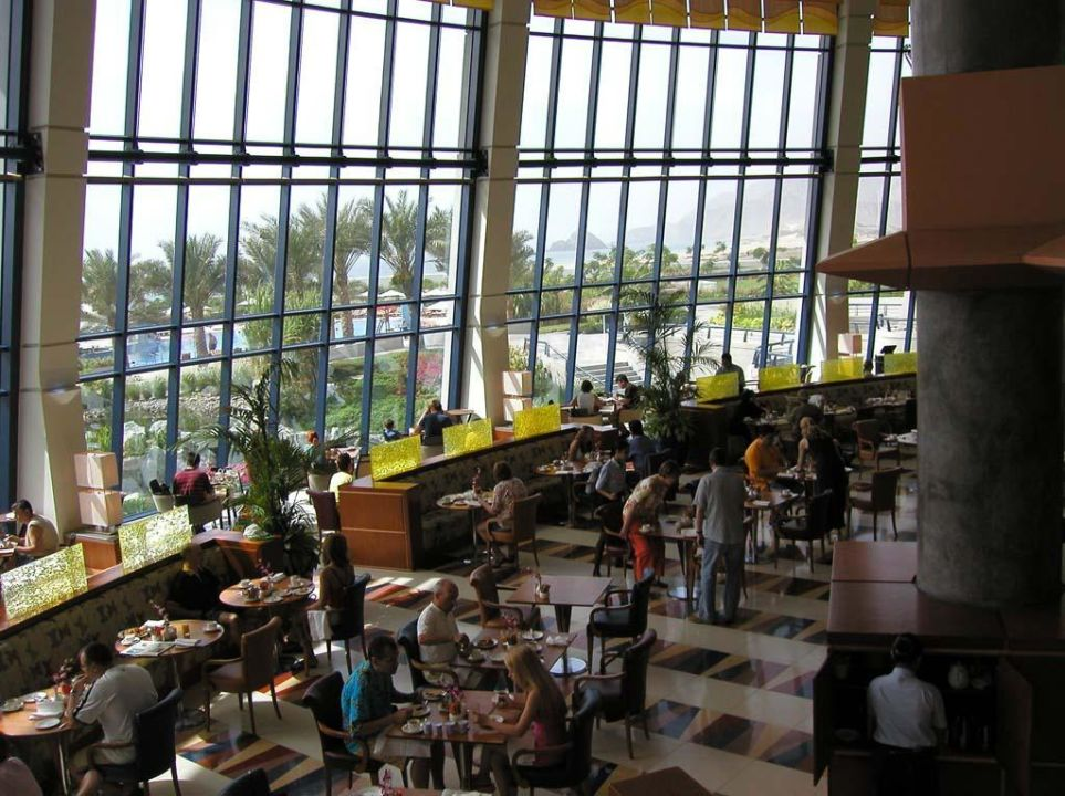 Meridien Al Aqua Buffet Hotel Le Meridien Al Aqah Beach Resort
