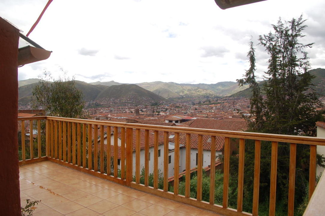 Blick von der Terrasse auf Cusco Amazon Hostal