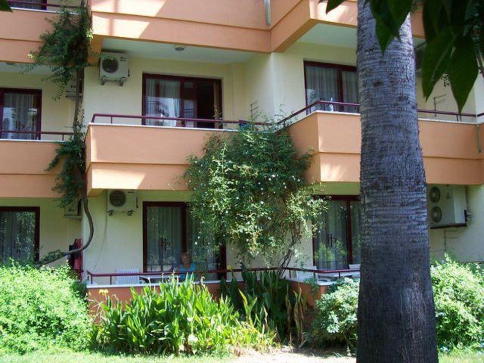 Alles wunderschön grün und sehr gepflegt Hotel Panorama