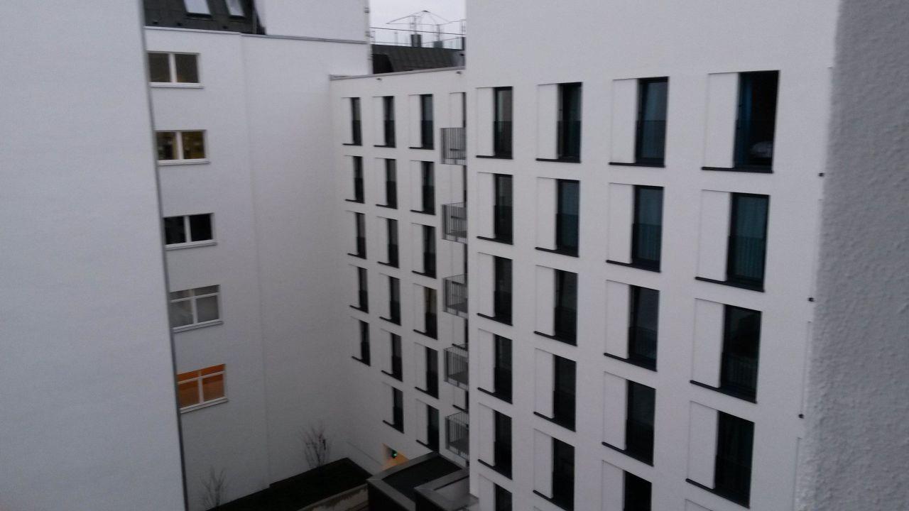 balkonzimmer betonboden motel one bremen bremen holidaycheck bremen deutschland. Black Bedroom Furniture Sets. Home Design Ideas